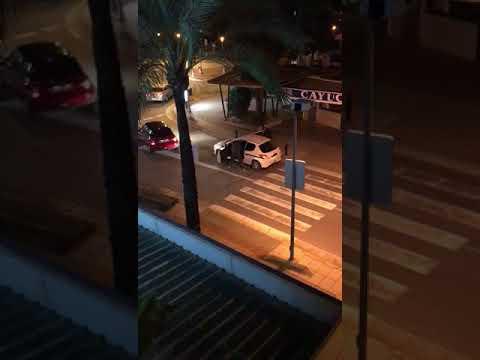 Una cámara pilla 'in fraganti' a dos ladrones robando en un bar de Palmanova