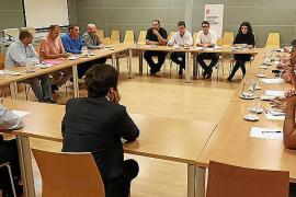 El Govern unirá fuerzas con los trabajadores para evitar el cierre de la fábrica de Lloseta