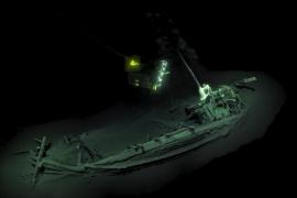 Hallado intacto un barco mercante griego hundido hace 2.400 años