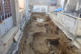 Hallan dos nuevos cuerpos y la pierna de un tercero en la fosa de Calvià