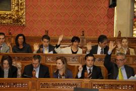 El PP quita poder a Armengol en un pleno lleno de acuerdos  y ofertas de diálogo