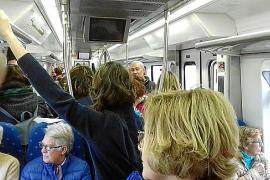 El infierno de viajar en tren en hora punta