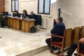 El expresidente del Atlético de Paguera, condenado a 4 años y 9 meses de prisión por abusos a un menor