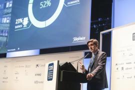 José María Álvarez-Pallete, presidente ejecutivo de Telefónica: «Hay mucha gente que sustituye al maestro por Google»