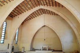 El Bisbat desacraliza la iglesia de Cala Sant Vicenç en plena polémica sobre su abandono