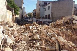 Prosiguen las tareas de demolición de dos edificios en Sant Llorenç