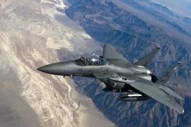 ¿Quién es el piloto militar que dibuja penes en el cielo?