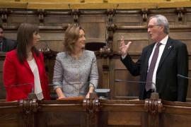 El Ayuntamiento de Barcelona reprueba el posicionamiento del Rey y pide abolir la monarquía