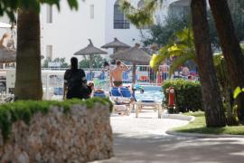 Habtur tilda al Govern balear de títere de los hoteleros por no regular el todo incluido