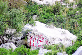El Govern borrará la pintada hecha en una gran roca del torrente de Pareis