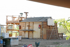 Un nuevo asentamiento de chabolas se instala bajo el puente de sa Riera