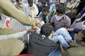 Detenidos los gestores de un hospital de Calcuta tras un incendio con 81 muertos