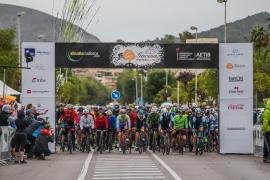El balear Matas y la británica Livesey se llevan la victoria en el Bike Day del Long Course Weekend Mallorca