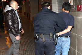 Detenido por abandono de menores un hombre borracho que caminaba con su hijo por Palma