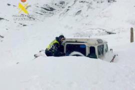 Rescatan en Cantabria a cinco hombres atrapados por la nieve