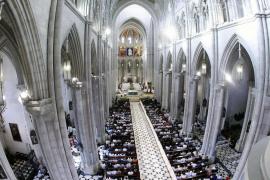 Franco no puede ser enterrado en la cripta de La Almudena, según el Gobierno y el Vaticano