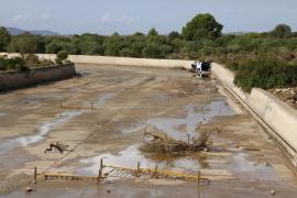 La acumulación de agua obliga a realizar obras en el torrente de Sant Llorenç
