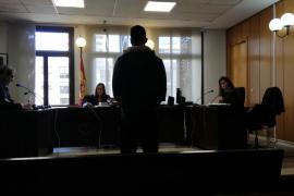 Condenado un exempleado de un local de comida rápida de Palma por robar en la caja fuerte