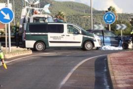Muere un conductor al empotrarse contra un muro en la rotonda de Sant Jordi, en Ibiza