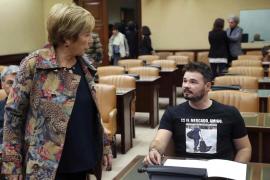 Rufián protagoniza un nuevo incidente al llevar una camiseta con Rato entrando en prisión