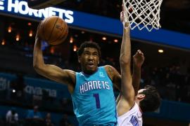 Abrines firma ante los Hornets su mejor partido en la NBA