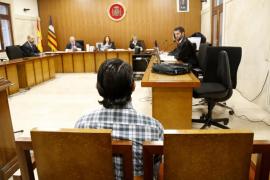 La Audiencia juzga a un hombre que violó y dejó embarazada a una niña de 11 años, hija de su pareja