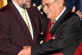 Pere A. Serra Bauzá, recibe la Gran Cruz de la Orden Civil de Alfonso X el Sabio.