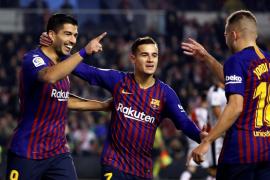 Luis Suárez libera al Barcelona en Vallecas