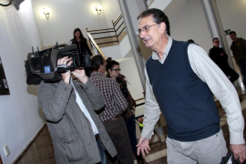 Dos imputados niegan su relación con la supuesta trama de captación de votos de UM