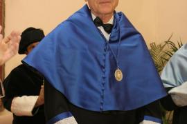 La UIB mantiene el 'honoris causa' a Francisco Ayala ante la «falta de causas suficientes» para iniciar su revocación