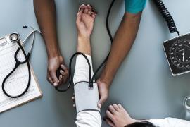 Satse inicia una recogida de firmas para garantizar por ley un número máximo de pacientes por enfermero