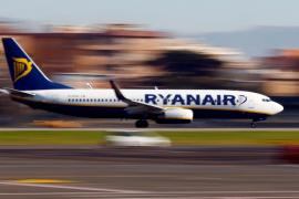La sorprendente forma de eludir el pago de la maleta en cabina con Ryanair