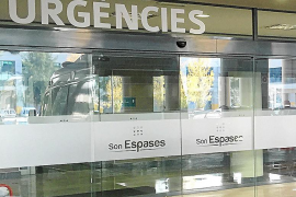Cuatro meses de cárcel por amenazar a tres enfermeros de Son Espases con un cuchillo