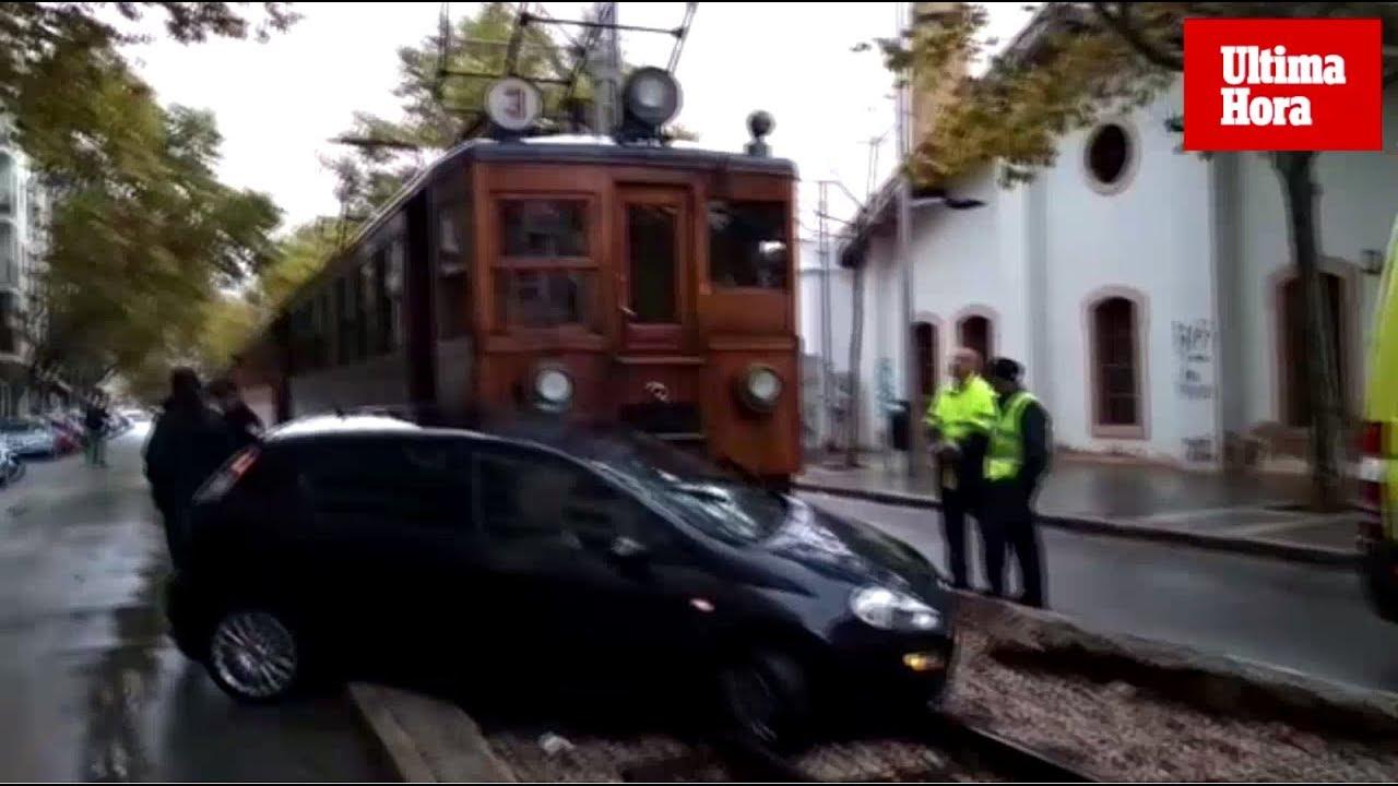 Choque entre el tren de Sóller y un coche en Palma