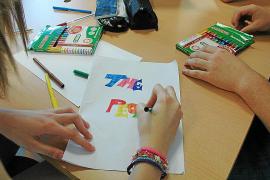 Los aprobados de inglés en Primaria y ESO igualan a los de catalán y castellano