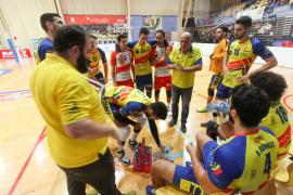 El partido de voleibol entre el Ushuaïa y el Teruel, en imágenes (Fotos: Daniel Espinosa).