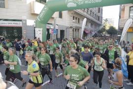Miles de corredores se 'mueven' en Palma contra el cáncer