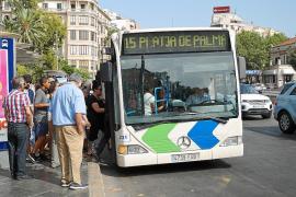 Prohibido ir sin camiseta o escuchar música sin cascos en los autobuses de Palma