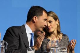 """El Príncipe Felipe subraya que su fundación es """"honesta y transparente"""""""