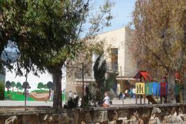 Inician la reforma integral del patio del CEIP Llorenç Riber de Campanet