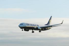 Ryanair lanza vuelos desde 7,99 euros sólo hasta esta medianoche