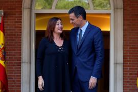 Sánchez recibe a Armengol en el Palacio de la Moncloa