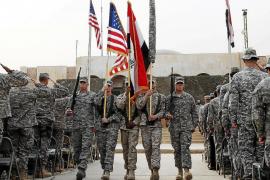 Estados Unidos da por finalizada la guerra de Irak arriando la bandera