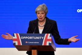El sector euroescéptico confirma su petición de someter a una moción de confianza a May