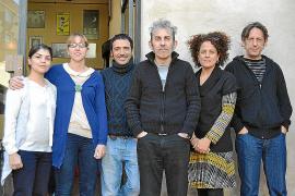 El público decide qué personajes quiere ver en 'El sopar' del Teatre del Mar