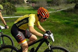En estado grave un ciclista tras clavarse el manillar en una carrera en Porreres