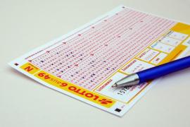 Un cura alemán gasta 120.000 euros de la parroquia en una lotería fraudulenta por Internet