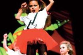 Los bailarines de la Acadèmia Urban Dance Can Picafort celebran un Winter Show en Alcúdia