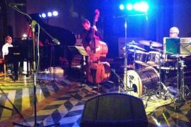 La música de Perikas Jazz Reunion suena en el Blue Jazz Club