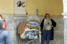 Piden cárcel para el indigente del Mercat de l'Olivar por agredir a un hombre